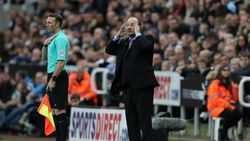 Akan Hadapi Mantan Pemainnya, Benitez Teringat Jasa Sir Alex Ferguson