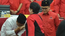 Foto: Diusung Jadi Cagub Jatim, Gus Ipul Cium Tangan Megawati