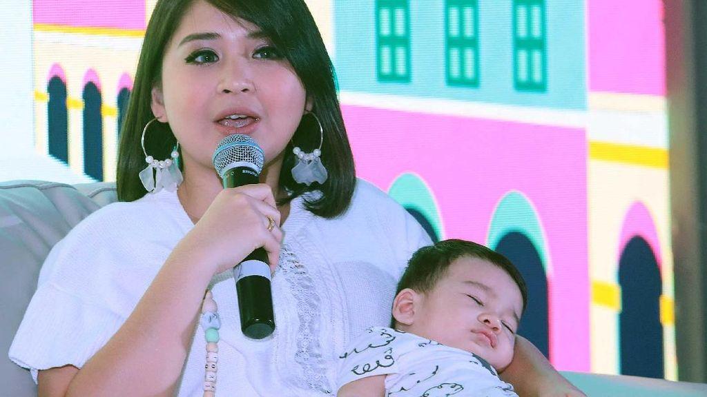 Terlihat Gendut Pasca Melahirkan, Putri Titian Ogah Diet