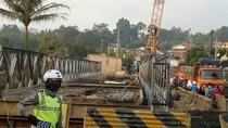 Ada Perbaikan Jembatan Cisalopa, Polisi Berlakukan Buka-Tutup