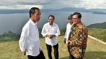 Saat Jokowi dan Para Menteri Kagumi Indahnya Danau Toba