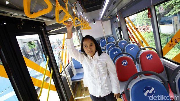 20 Minitrans Pengganti Metro Mini Sudah Siap Narik Penumpang
