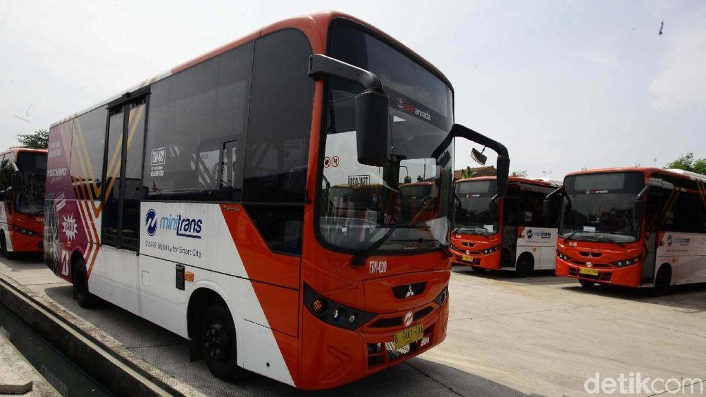 Semua Bus Kota Bakal Gunakan Uang Elektronik