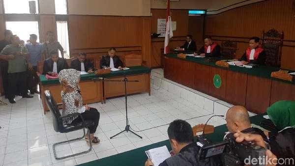 Sri Rahayu Saracen Jalani Sidang Dakwaan di PN Cianjur