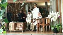 Bersama Keluarga, Anies Berangkat ke Sunda Kelapa Jelang Pelantikan
