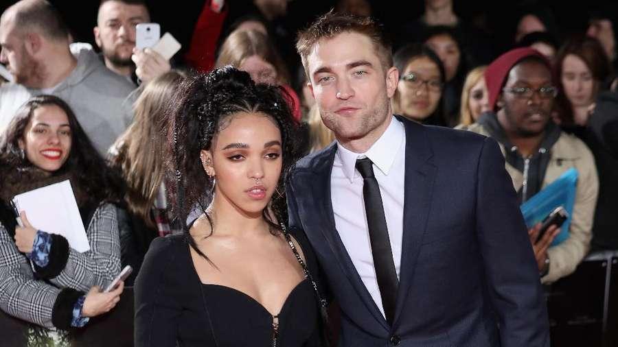 Putus Dari FKA Twigs, Robert Pattinson Kembali Dekati Katy Perry?