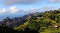 Pulau Cantik Terpencil Tempat Napoleon Diasingkan