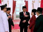 Canda Jokowi, JK dan Prabowo dari Berbaris Anies-Sandi hingga Peci