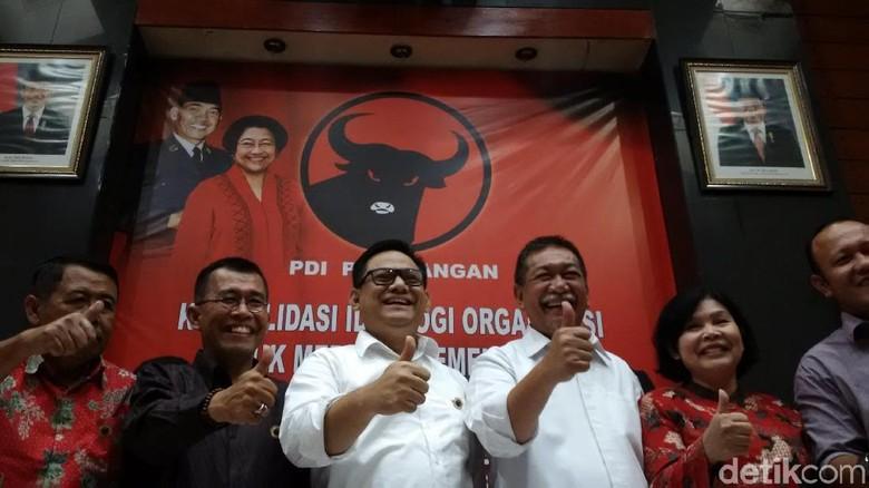 PDIP Tutup Peluang Usung Deddy - Jakarta Ketua DPD PDIP Jawa Barat Tubagus Hasanuddin mengatakan perjalanan Deddy Mizwar telah selesai di saat ini Demiz