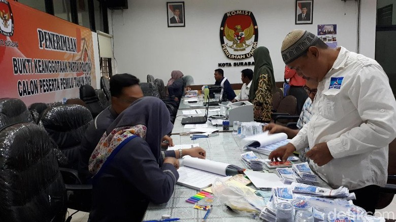 Hari Terakhir Penutupan, Baru 6 Parpol Mendaftar ke KPU Surabaya