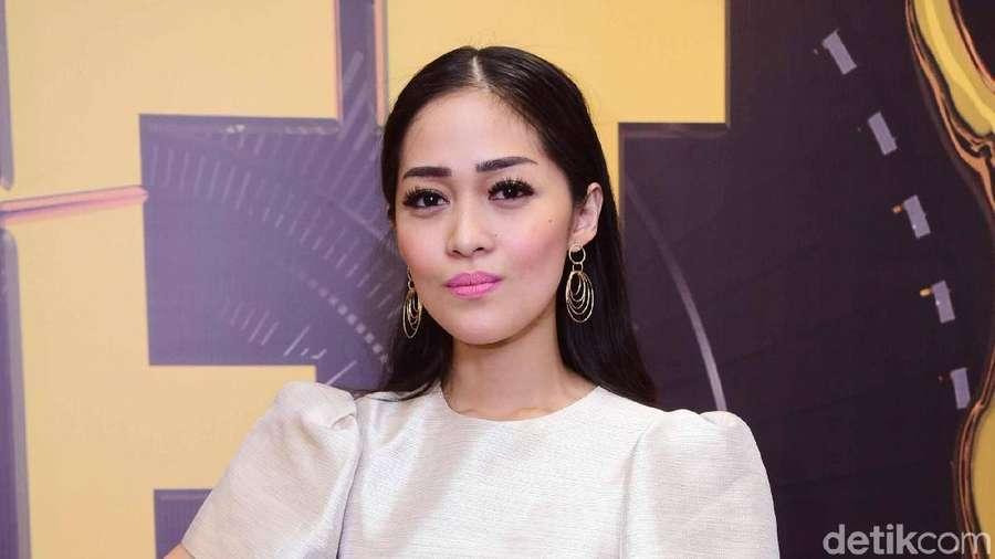 Dear David NOAH, Gracia Indri Makin Cantik Aja Nih!