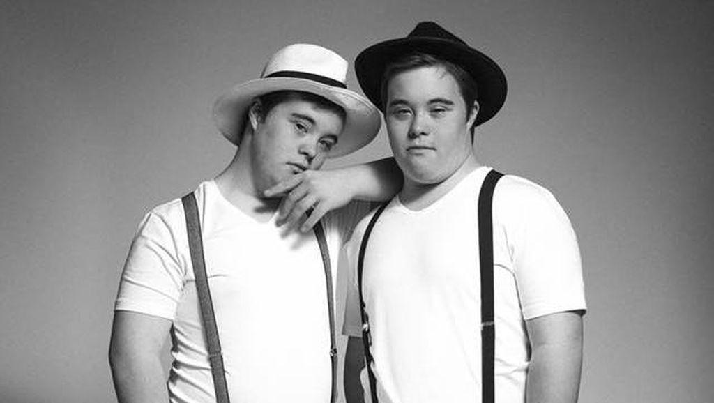 Harry dan Thomas, Kembar Penyandang Down Syndrome yang Ingin Jadi Model