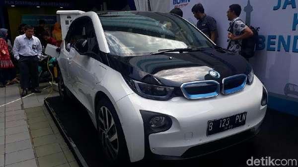 Mobil Hingga SPBU Listrik Nampang di Pameran Teknologi PLN