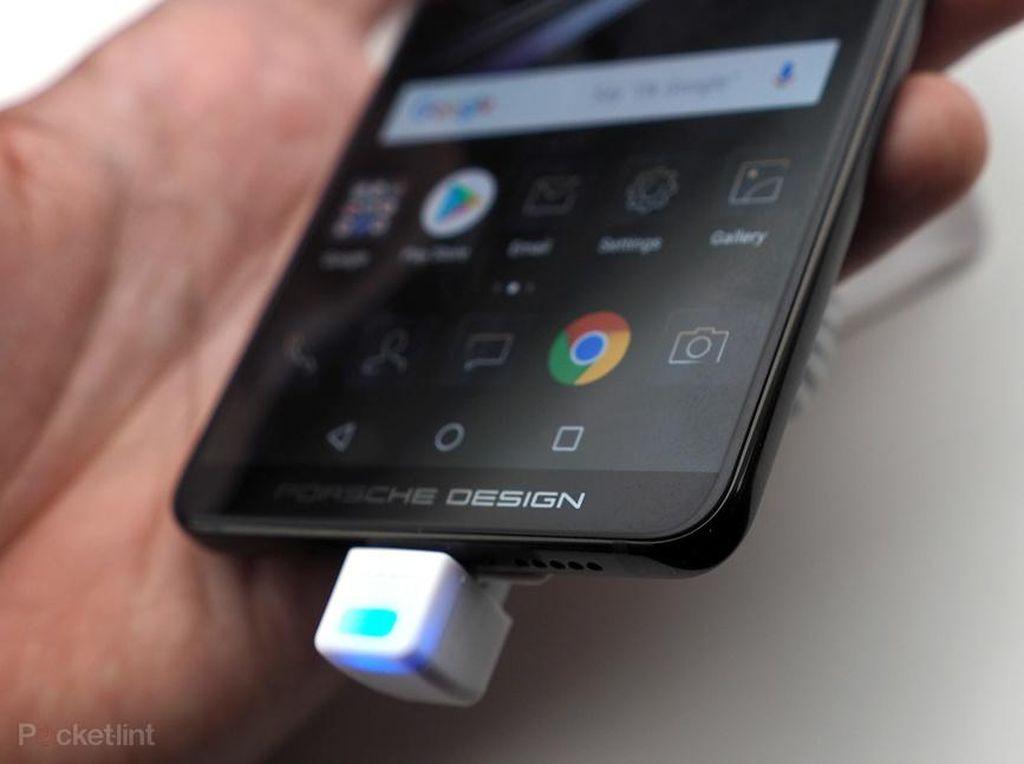 Pantaskah Ponsel Android Ini Dijual Rp 22 Juta?