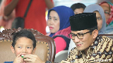 Kemesraan Wagub DKI Jakarta Sandiaga Uno Bersama sang Anak