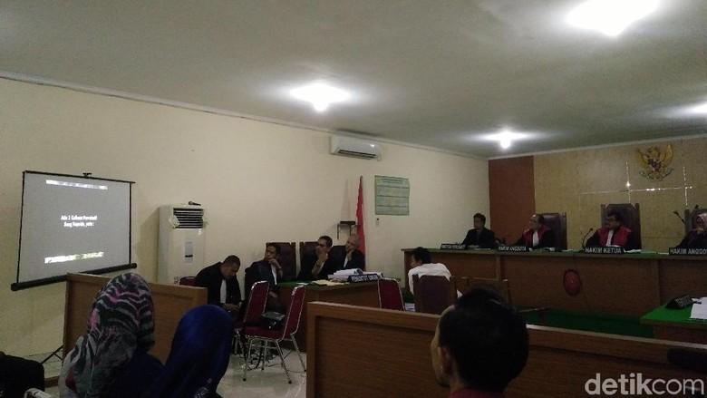Jaksa Putar Video Aksi Kapolda Metro di Sidang Hidayat Pelapor Kaesang