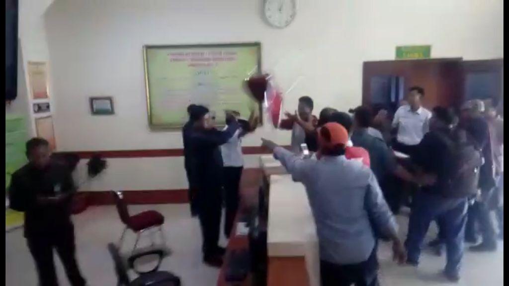 Kursi Melayang ke Ketua PN Jambi, MA Minta Polisi Bertindak