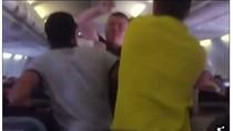 Mabuk di Pesawat, Pria Ini Pukul Wanita