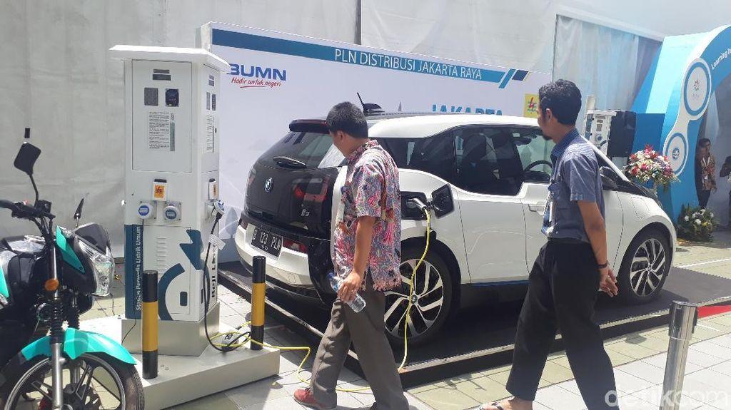 Mobil Listrik Bikin Selebritis Indonesia Ini Penasaran