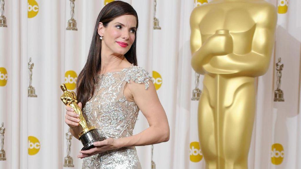 Gaya 7 Aktris Hollywood Pakai Gaun Marchesa karena Dipaksa Produser Cabul
