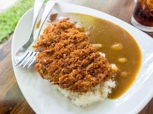 Oishi! Ini 6 Chicken Katsu Curry yang Enak Dipadu dengan Nasi Hangat