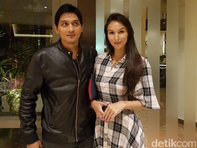 Gandeng Perempuan Lain, Lucky Hakim Sudah Move On dari Tiara Dewi?