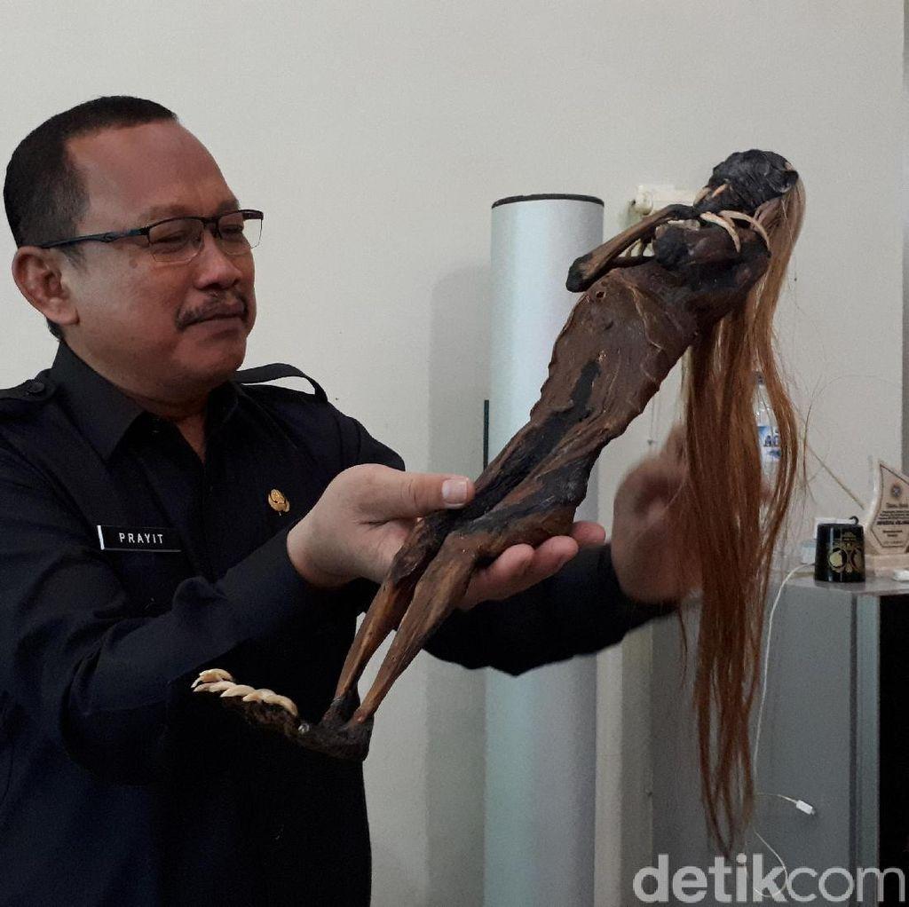 Ketika Camat Menghadapi Jenglot Menyeramkan dari Pantai Surabaya