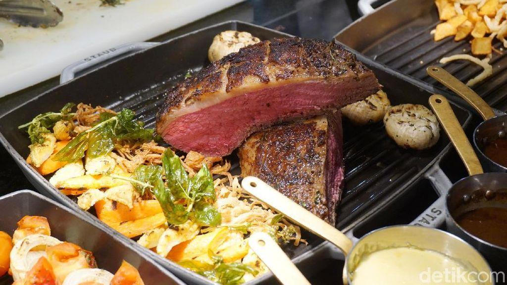 Mencicip Steak Wagyu 8+ Hingga Angus Tomahawk yang Juicy di Seasonal Tastes