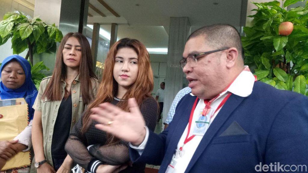 Anak Putri Stagi Beberkan Pertemuannya dengan Ferry Juan