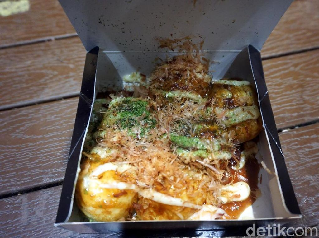 Wisata Kuliner Takoyaki yang Asli di Osaka