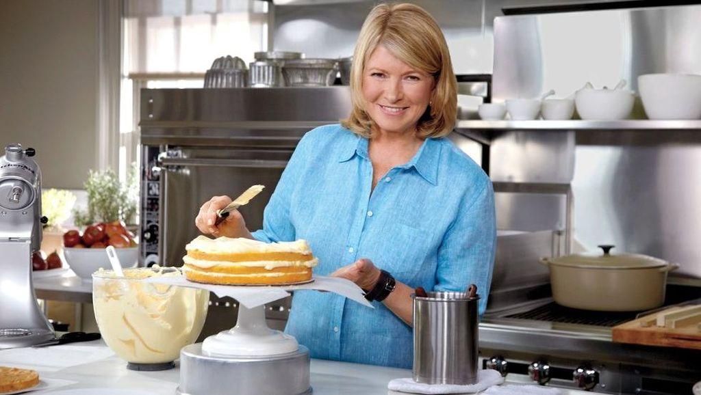 Ini Makanan yang Selalu Dibawa Martha Stewart ke Dalam Pesawat