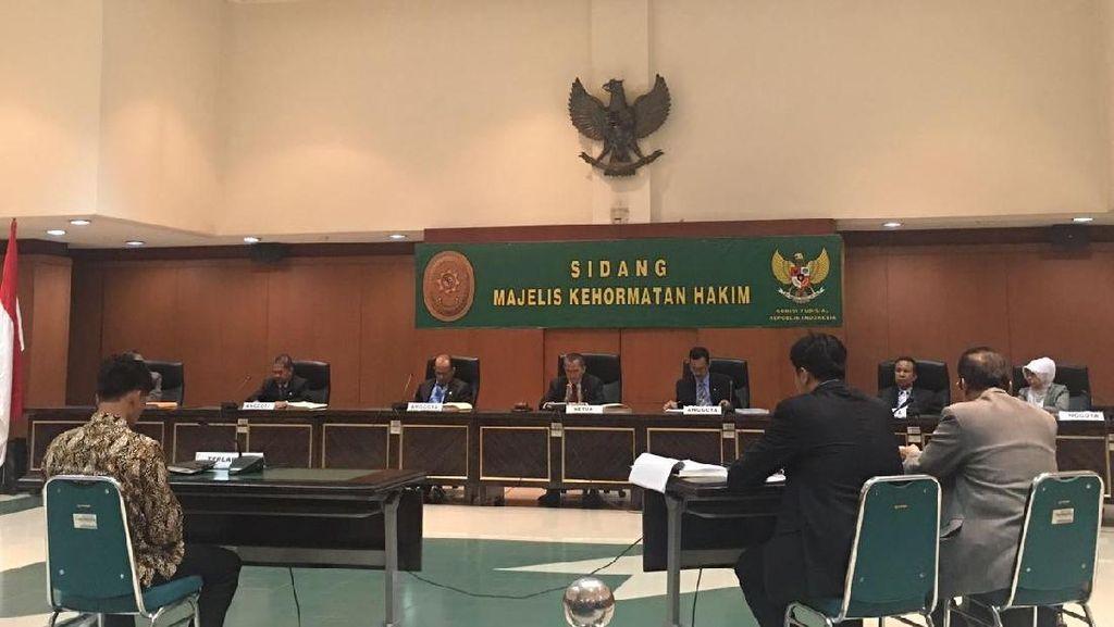 Hakim Pengadilan Agama AR Selingkuh karena Jauh dengan Keluarga
