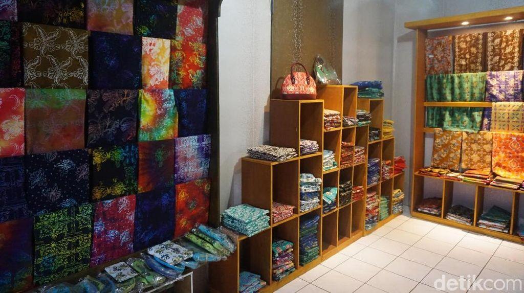 Ini Tempat Belanja Batik Khas Ternate
