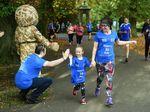 Aksi Haru Bocah Lari 5 Km Demi Kumpulkan Uang untuk Tentara