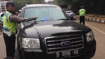 10 Kendaraan Pakai Strobo dan Sirene di Jaktim Ditilang