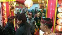 Hadiri Malam Budaya Internasional, Menhan Dihadiahi 'Pesawat Tempur'