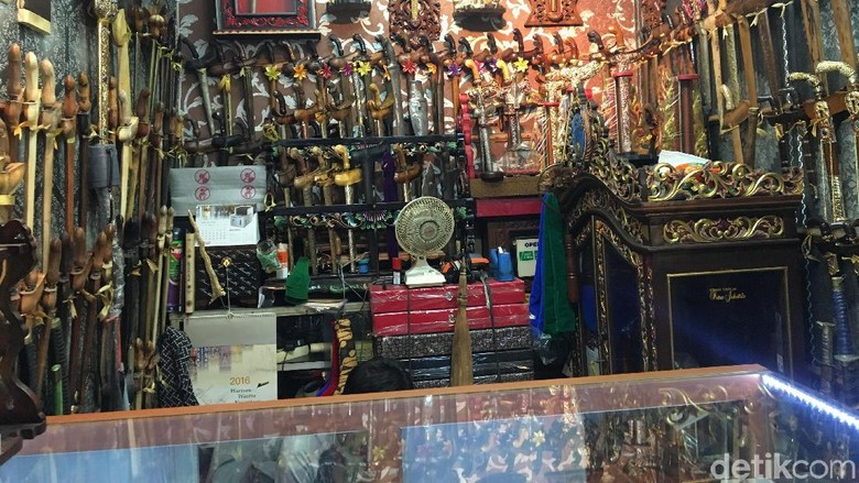 Pedagang Jimat: CPNS Biasanya Dapat Jimat dari Paranormal