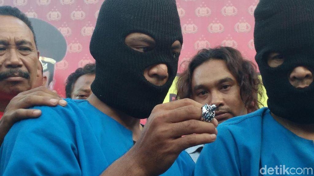 Pecah Kaca Mobil Pakai Cincin Modus Baru di Cirebon