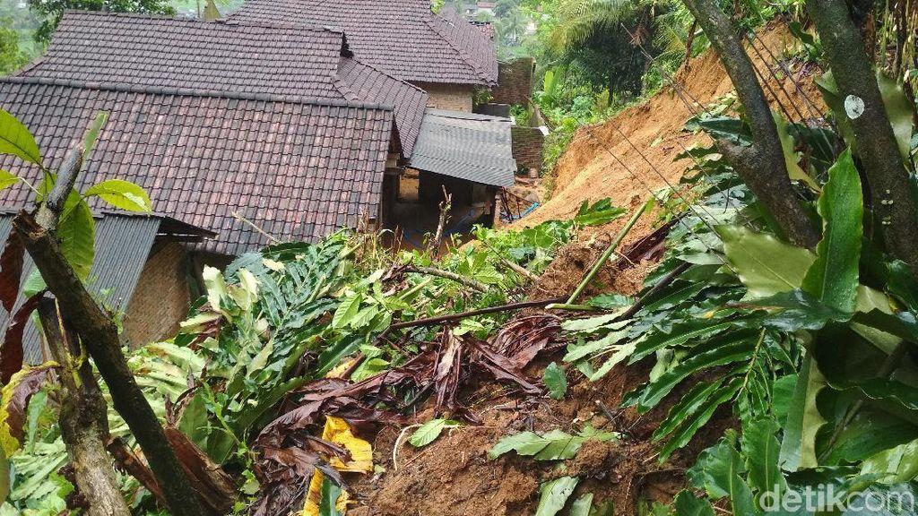 Longsor di Trenggalek, BPBD Jatim Siapkan Bantuan Darurat Bencana
