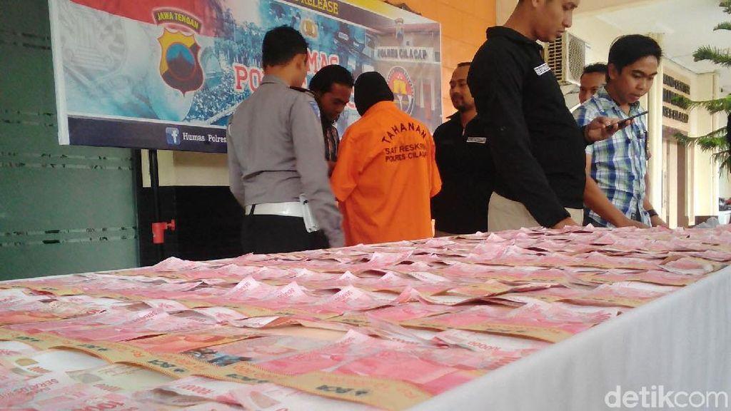Polisi Amankan Pelaku Pengganda Uang di Cilacap