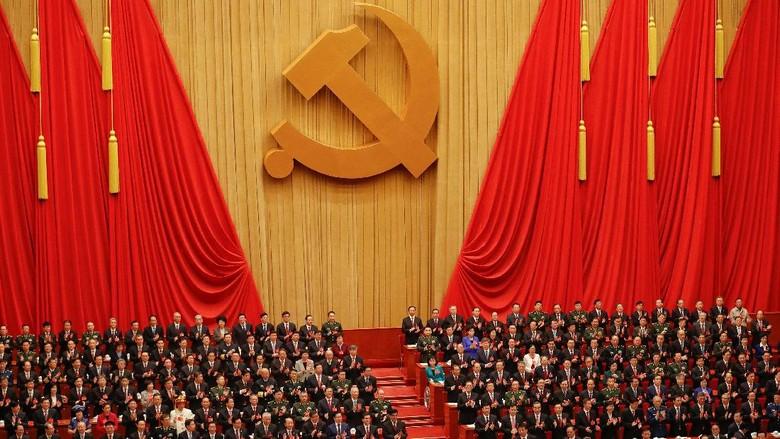 Saat Rakyat China Serius Menyimak Pidato 3,5 Jam Presiden Xi