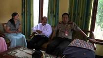 Pastikan Keamanan, Polisi Datangi Rumah Pria Penyembah Matahari