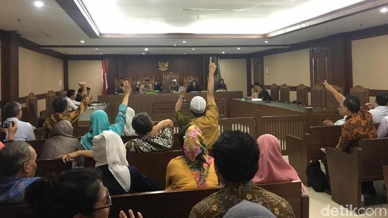Jemaah Minta 2 Bos First Travel Hadiri Rapat Kreditur di PN Jakpus