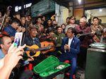 Video Jokowi dan Menteri Basuki Konser dengan Musisi Jalanan