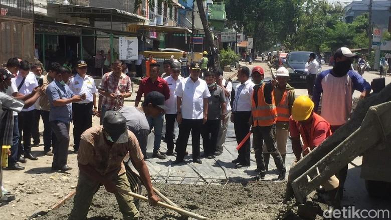 Kenapa Jalan di Medan Baru Diperbaiki Setelah Dikritik Jokowi?