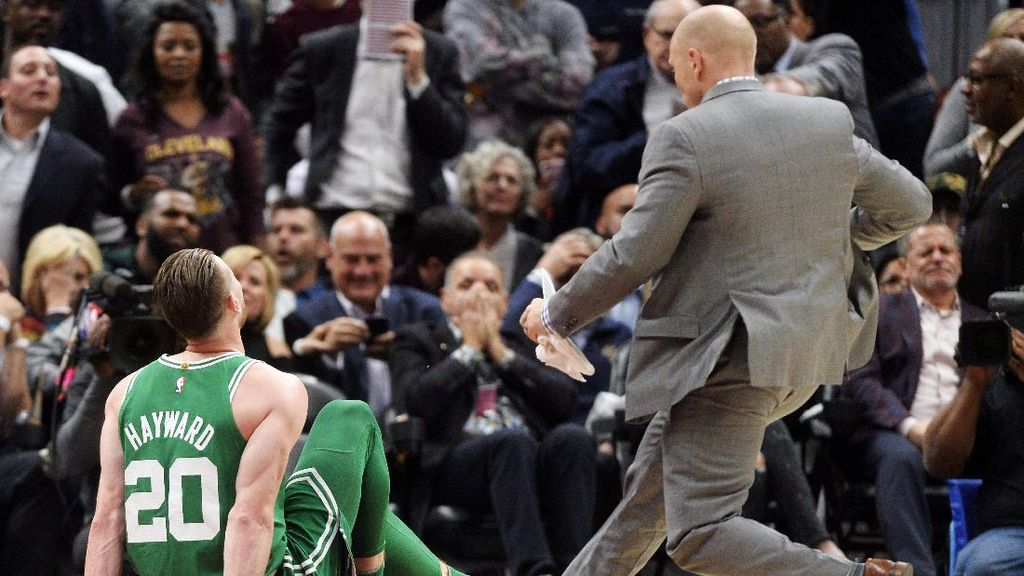 Debut Horor Gordon Hayward di Celtics