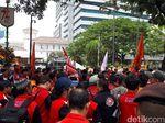Buruh Demo di Balai Kota, Minta Kenaikan Upah