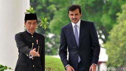 Jokowi Beri Emir Qatar 10 Paket Kopi Khas Indonesia