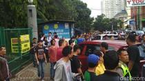 Sekelompok Orang Intimidasi Sopir Taksi Online di Bandung