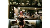 Pemilik Kedai Bakmi Janda yang Cantik ini Juga Eksis di Instagram